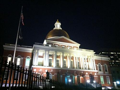 Amendment Would Allow Mass. To Vote Early In Future Elections