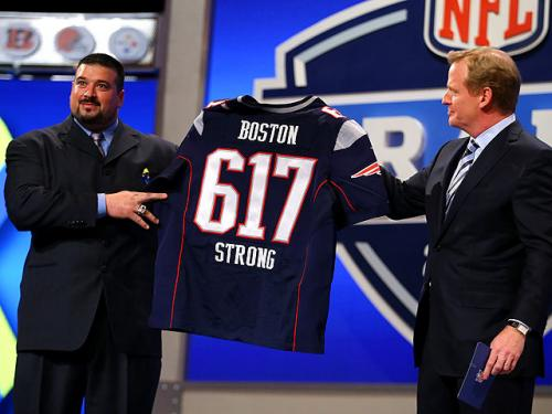 Former Patriot Joe Andruzzi Honored At NFL Draft