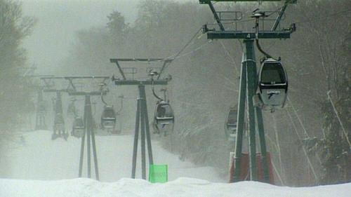 Fresh Snowfall Attracts Skiers & Snowboarders To NH Mountains