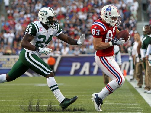 Gresh & Zo No Huddle: Best Defensive Player In AFC East?