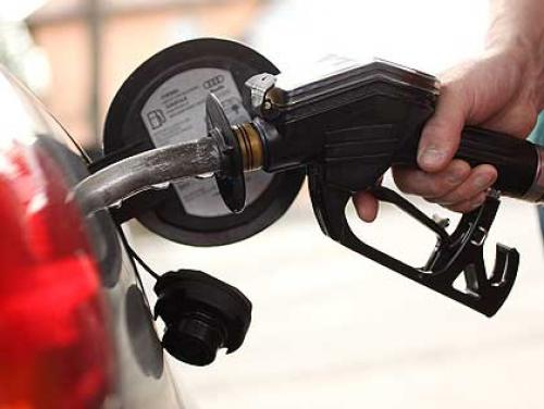 Mass. Gas Prices Down For 10th Straight Week