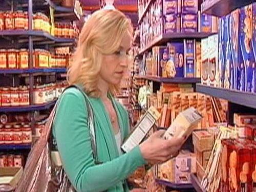 Mass. Lawmakers Approve Price Sticker Bill