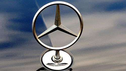 Mercedes-Benz Recalls More Than 284,000 Cars To Fix Lights