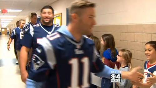 Patriots Players Tackle Obesity With Foxboro Children, Seniors
