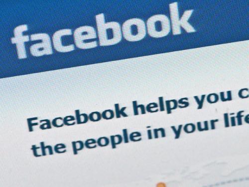Poll: Half Of Americans Call Facebook A Fad