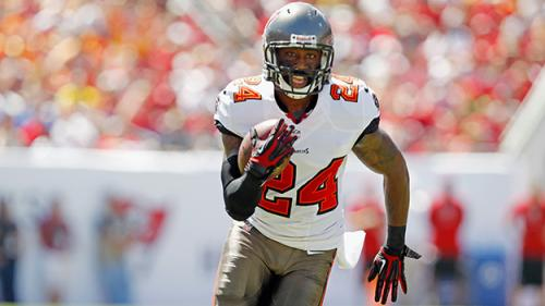 Report: Bucs To Cut Revis If Not Traded By Wednesday Afternoon