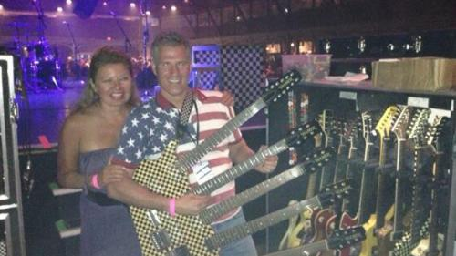 Scott Brown Jams Out With Cheap Trick At Hampton Beach Casino