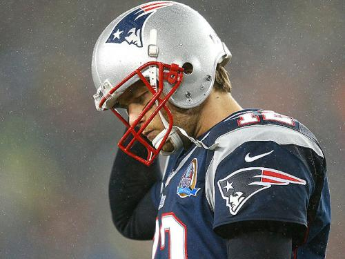 Tom Brady Misses Practice With Shoulder Injury, While Rob Gronkowski Participates