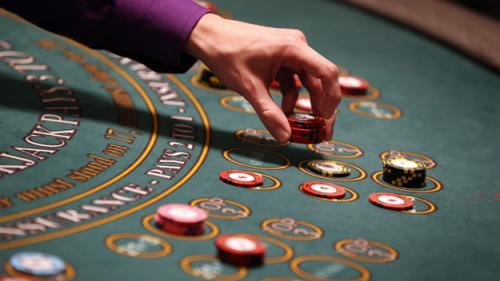 Walsh Wants To Resume Talks With Casinos