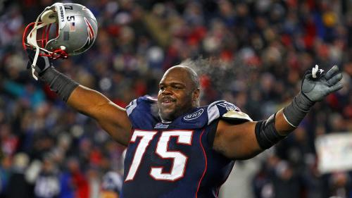 WATCH: Vince Wilfork Dances To 'Wanna Be A Baller' While Barbecuing