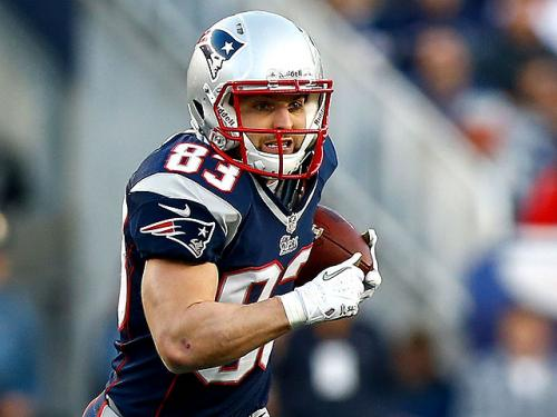 Welker Sets NFL Record For Most 100-Catch Seasons
